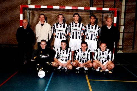 M.S.V.'71 zaalteam in 2003.