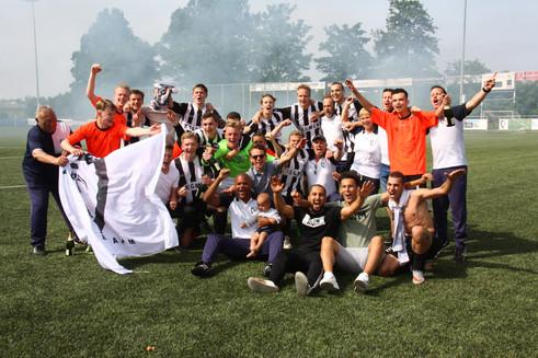 M.S.V.'71-1 seizoen 2016 2017 gepromoveerd.