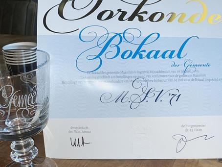 M.S.V.'71 onderscheiden met Bokaal der Gemeente Maassluis