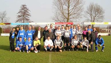 M.S.V.'71-7 met kaderleden tijdens nieuwjaarsreceptie 2006