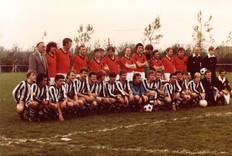 M.S.V.'71-1 1981 tegen Oud Internationals