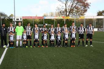 M.S.V.'71-1 seizoen 2017 2018 met jeugdteam.