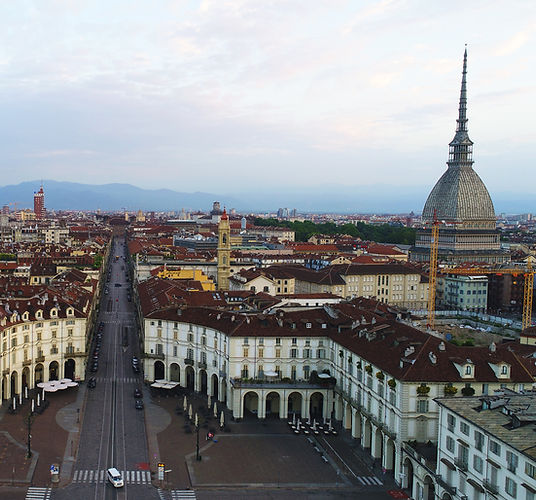 foto Torino con drone, Piazza Vittorio,