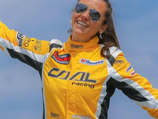 Help Arianna Casoli aan de start NWES Raceway Venray