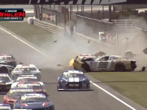 Start crash round 2 ELITE 1 Circuit Ricardo Tormo in Valencia, Spain