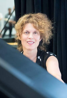 kathryn at piano_edited.jpg