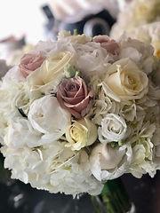 brides bouquet roses