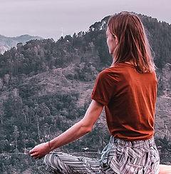 meditate-5353597_1920.jpg