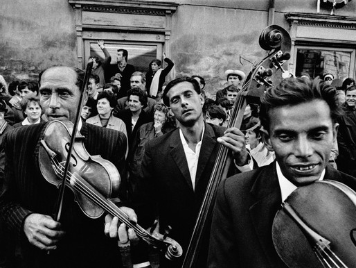 """Josef Koudelka : A Master """"Photo-Poet"""" of Conflict, Displacement and Alienation"""