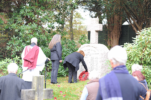 Re-dedication brings a good turn out on Remembrance Sunday