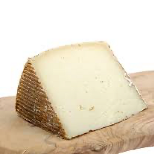 El Trigal Manchego Cheese Made with Sheeps Milk, Aged 8 Months