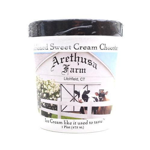 Arethusa Farm Old Fashioned Sweet Cream Chocolate Chip Ice Cream Pint