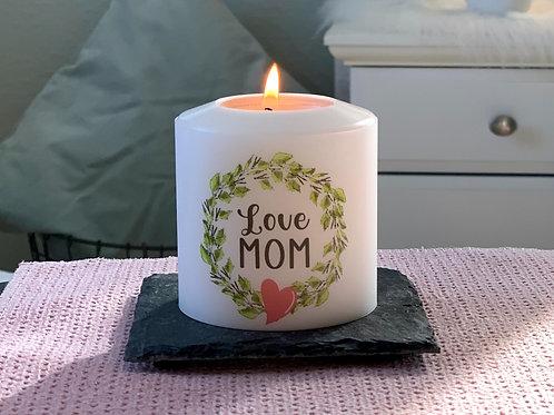 """Love MOM im Blätterkranz"""