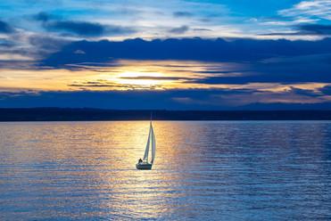 sailing-boat-596462_1280.jpg