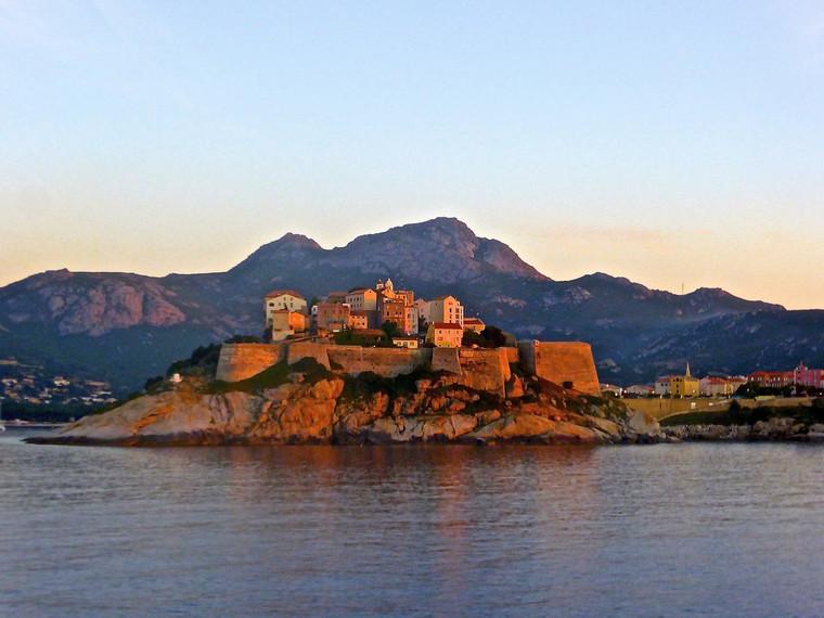 citadel-963583_1280.jpg