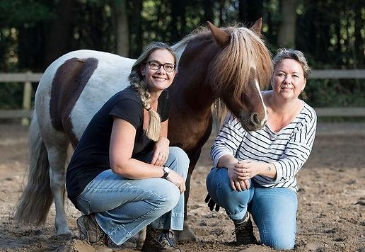 Cindy van de Velde en Annet Schram
