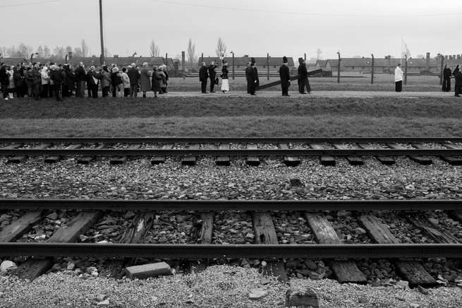 12_WWII_photography_auschwitz_concentrat