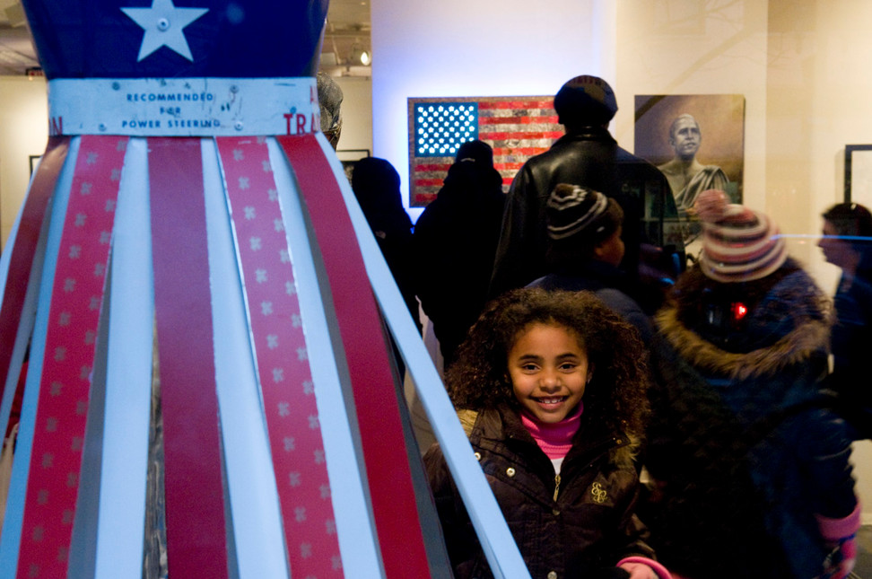Art galleries display presidential themes.
