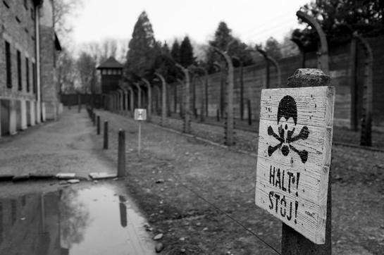 11_WWII_photography_auschwitz_concentrat