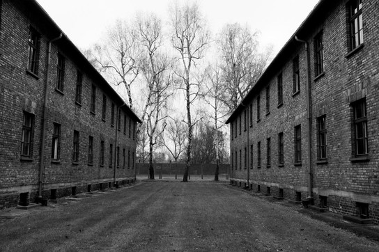 10_WWII_photography_auschwitz_concentrat