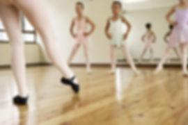Clase de ballet joven
