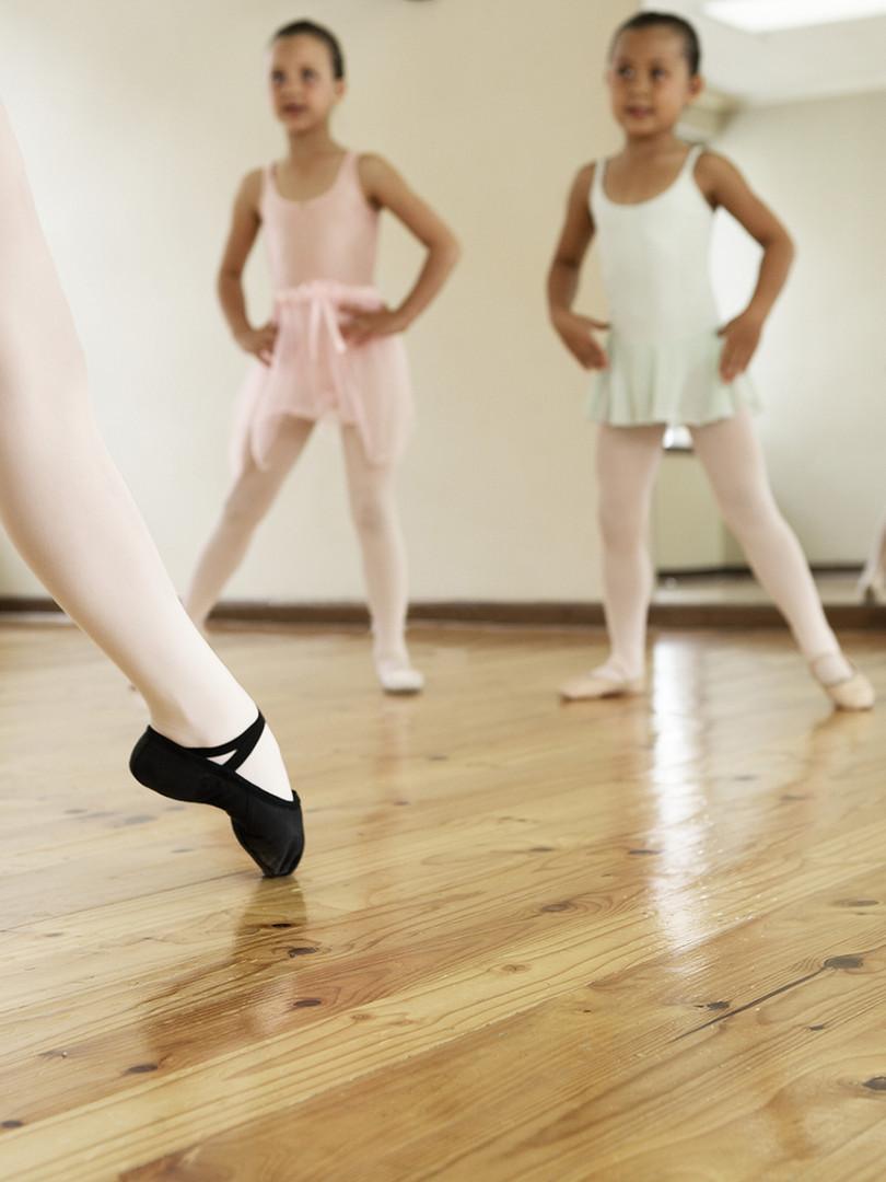 Clase de ballet infantil - Raquel Hinojosajoven