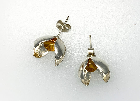 Four petal Flower studs with amber