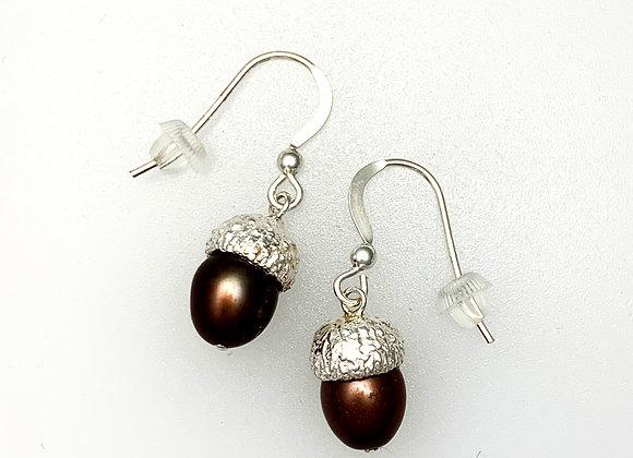 Small acorn earrings