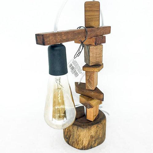 Luminária feita em madeira maciça diversas