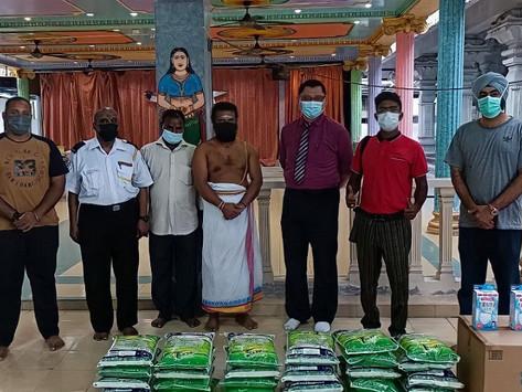 KEADILAN Wangsa Maju agih barang makanan, pelitup muka sempena Deepavali