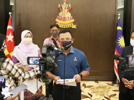 Kerajaan Selangor agih bantuan bakul makanan bantu tangani kesan Covid 19