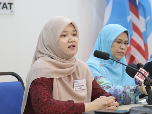 Menteri Rina Harun patut terajui 'frontliner', bukan jadi 'front cover'