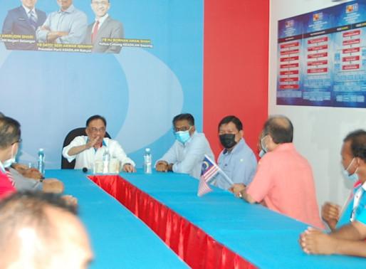 Ekonomi merosot, pemimpin khianat hanya selamat sekejap - Anwar