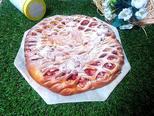 Пирог с яблоком и брусникой,1кг.