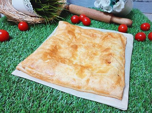 Пирог с красной рыбкой в слоёном тесте, 1кг.