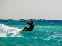 kite-surfing-1960536_960_720.jpg