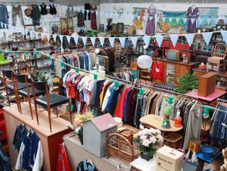Arrivage ENORME de meubles anglais, scandinave plus vêtements Americain...