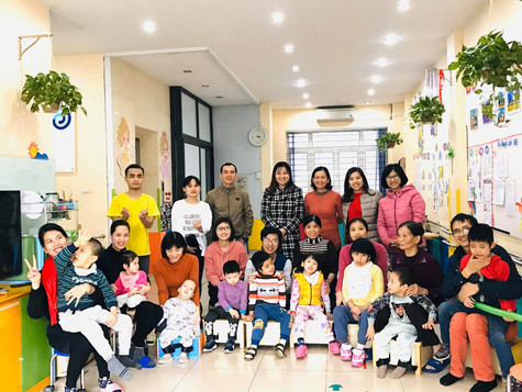 Love In Action visited and gave gifts to Dac Thang