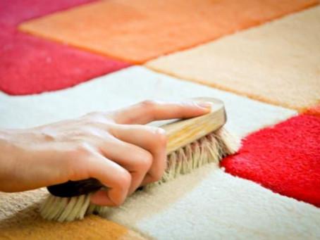 ¿Como limpiar el tapete del baño?