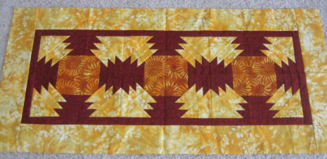 Kathi Corya's Pineapple table runner