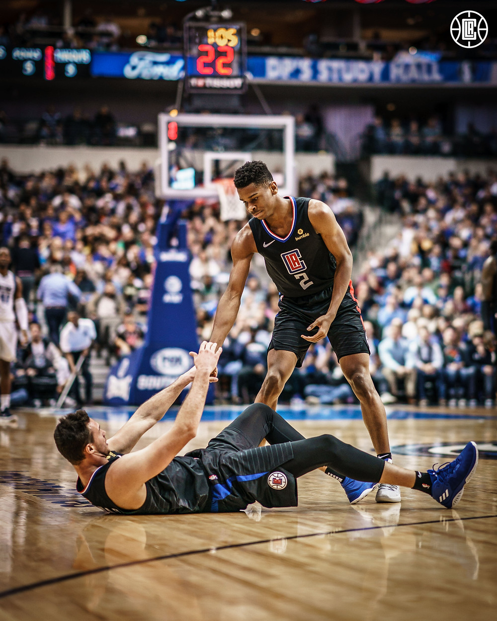 Danilo_Gallinari_Shai_Gilgeous-Alexander_Los_Angeles_Clippers_NBA_Around_The_Game