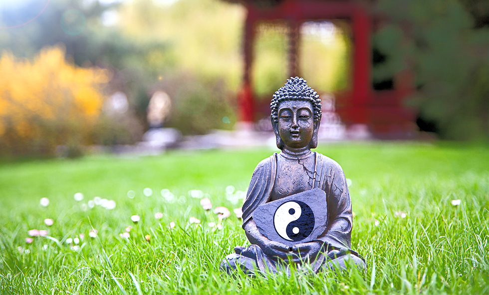 Yin%252520%252526%252520Yang%252520Sign%252520with%252520Buddha%252520Statue_edited_edited_edited.pn