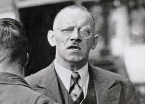 הקשר בין היטלר, ליברפול, ג'ון ורינגו