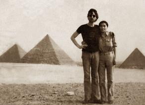 הרפתקאות ג'ון ויוקו בארץ מצריים