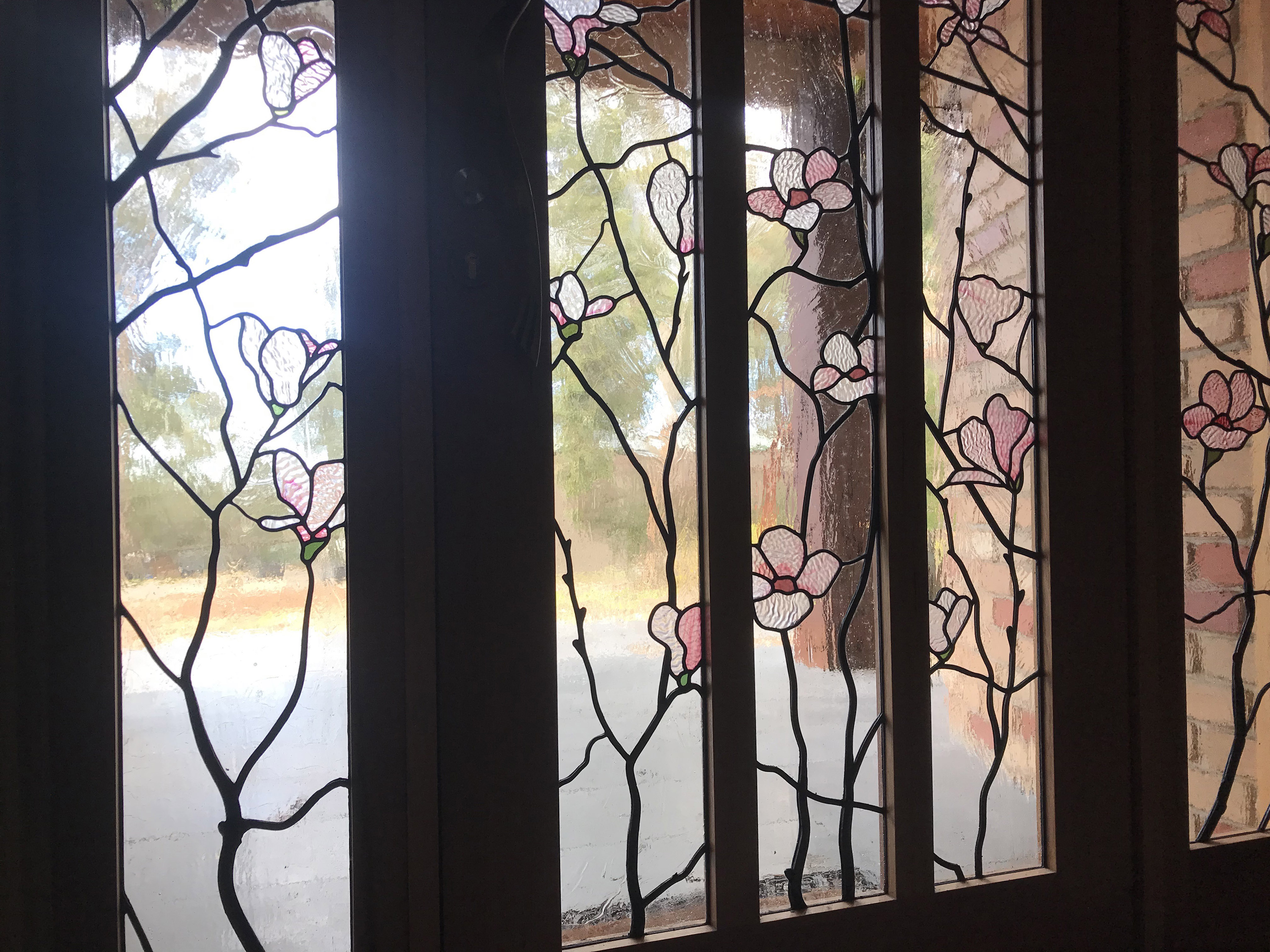 Magnolia stained glass window leadlight