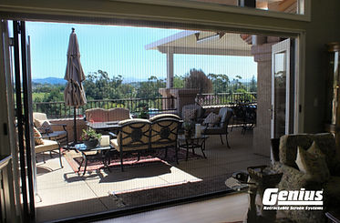 Genius zigzag retractable screen for bi-folding doors