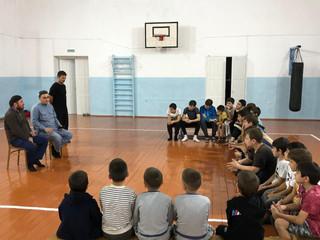 28 сентября тренер Лечиев Мовсар провел беседу с занимающимися.