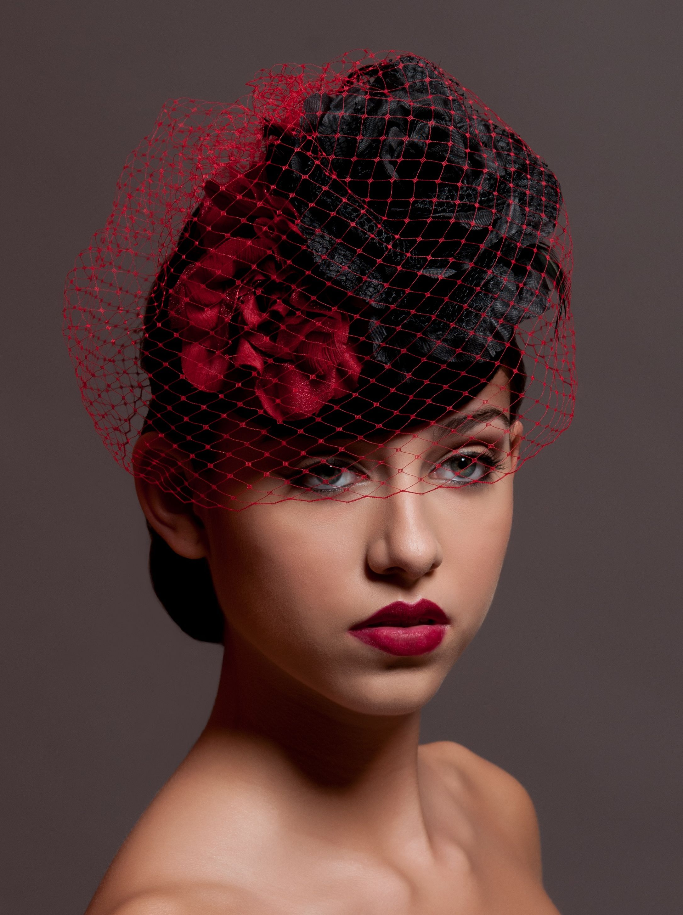 Black and Red Cocktail Hat