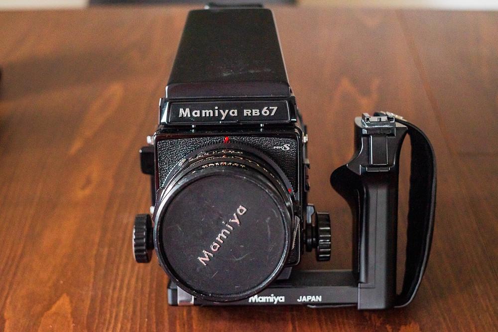 Mamiya RB 67 mit Seitengriff. Mittelformatkamera Format 6x7.