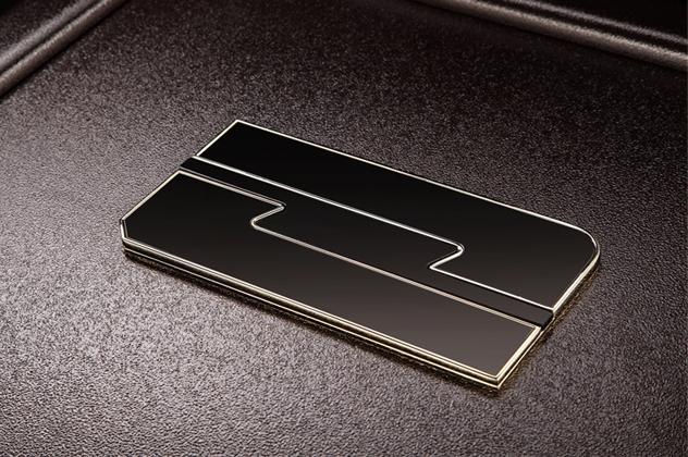 滑動式隱藏面板設計